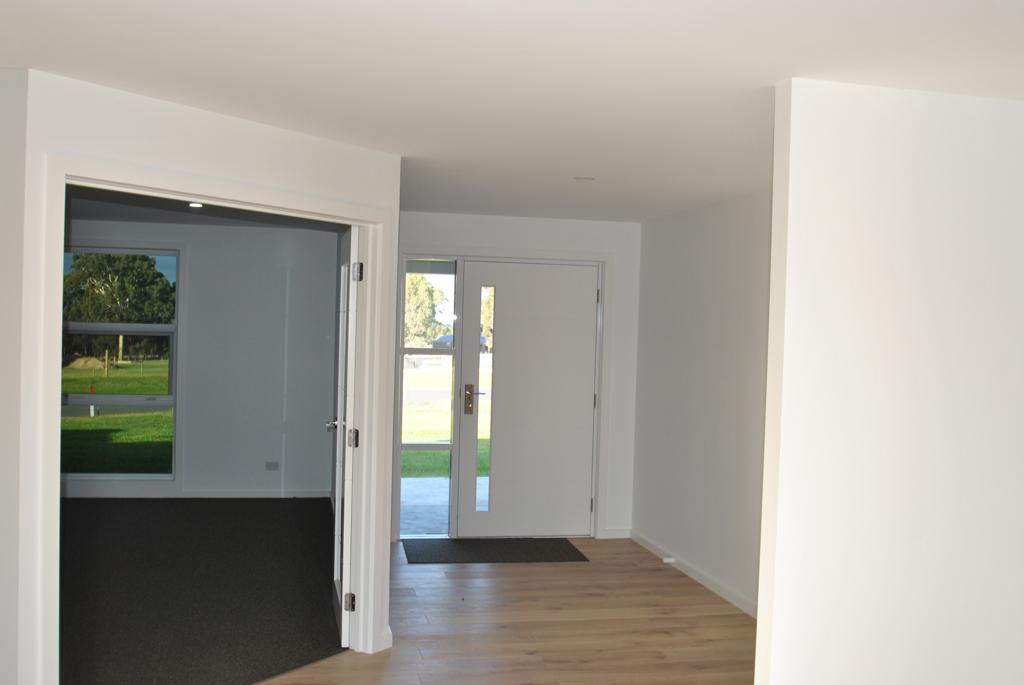 Nich-entrance